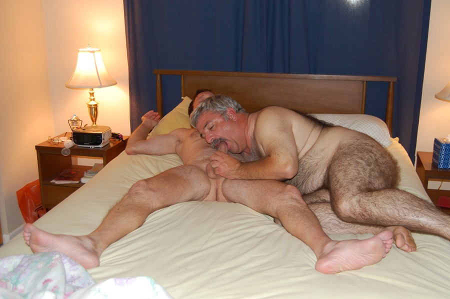Old and young gay sex